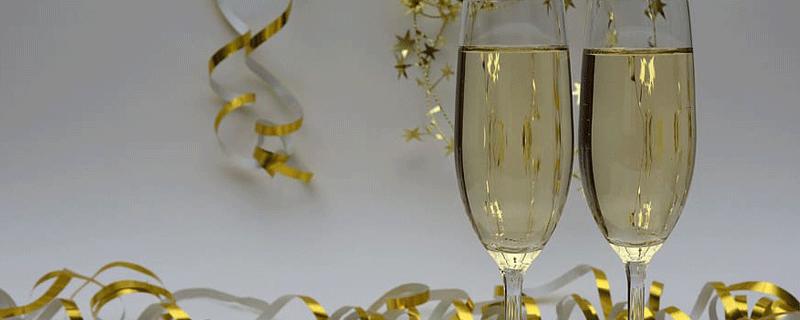 梦见香槟酒预示什么 梦到香槟酒好不好